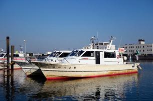 海老取運河の警戒船の写真素材 [FYI03005592]