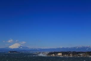 富士山と江の島の写真素材 [FYI03005645]