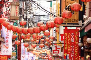 横浜 中華街の市場通りの写真素材 [FYI03005706]
