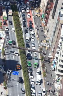 渋滞する新宿4号道路の写真素材 [FYI03005788]