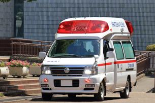救急車の写真素材 [FYI03005860]
