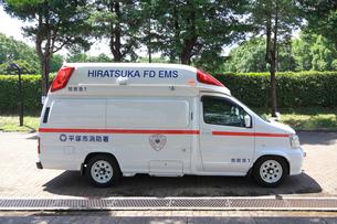 救急車の写真素材 [FYI03005861]