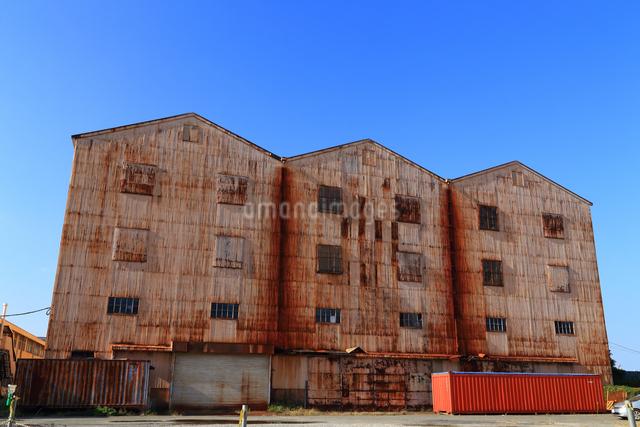 神奈川県横須賀市の旧海軍軍需部長浦倉庫の写真素材 [FYI03006059]