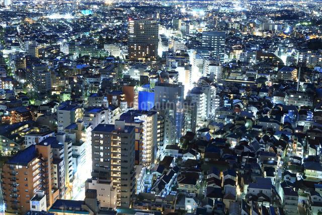 密集する東京の夜景の写真素材 [FYI03006260]