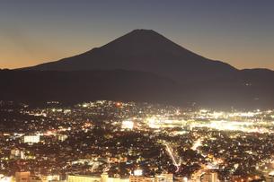 神奈川県秦野市から望む富士山の写真素材 [FYI03006311]