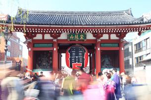 浅草 雷門の写真素材 [FYI03006356]