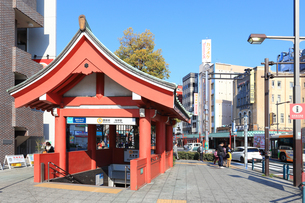 東京メトロ銀座線 浅草駅の写真素材 [FYI03006382]
