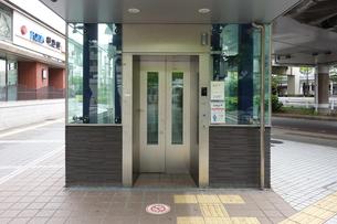 スケルトンエレベーターの写真素材 [FYI03006614]