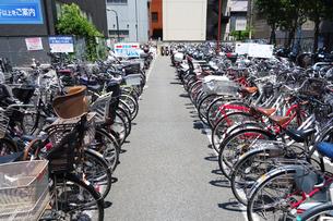 自転車置場の写真素材 [FYI03006862]