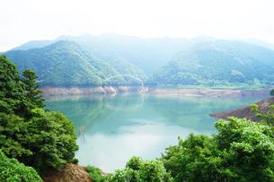 宮ヶ瀬湖の写真素材 [FYI03006935]