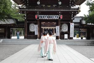 寒川神社の宮司の写真素材 [FYI03007320]