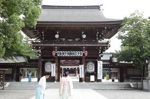 寒川神社の宮司の写真素材 [FYI03007323]