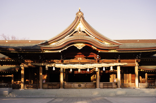 寒川神社の菊の御紋、の写真素材 [FYI03007457]