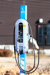 電気自動車の充電器の写真素材 [FYI03007477]