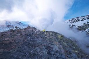 硫黄山の冬の写真素材 [FYI03007853]