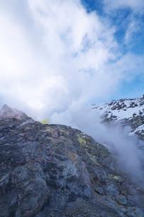 硫黄山の冬の写真素材 [FYI03007855]