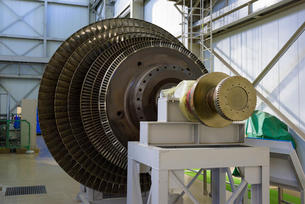 山川地熱発電所の蒸気タービンの写真素材 [FYI03007908]