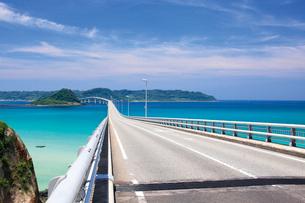 角島大橋と角島の写真素材 [FYI03007953]