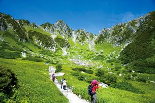 宝剣岳と千畳敷カールの写真素材 [FYI03008019]