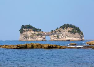 円月島の写真素材 [FYI03008359]