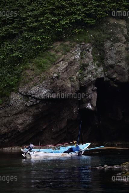 天売島のウニ漁の写真素材 [FYI03009711]