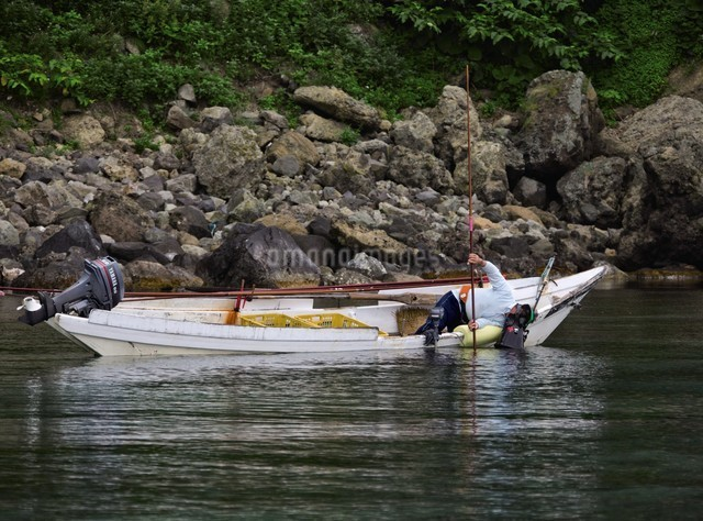 天売島のウニ漁の写真素材 [FYI03009712]