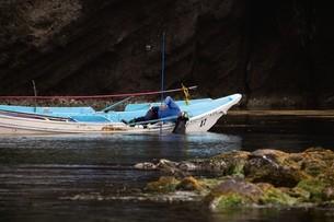 天売島のウニ漁の写真素材 [FYI03009714]