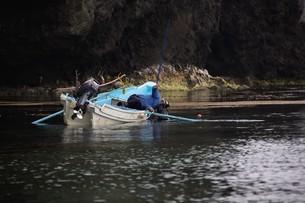 天売島のウニ漁の写真素材 [FYI03009719]