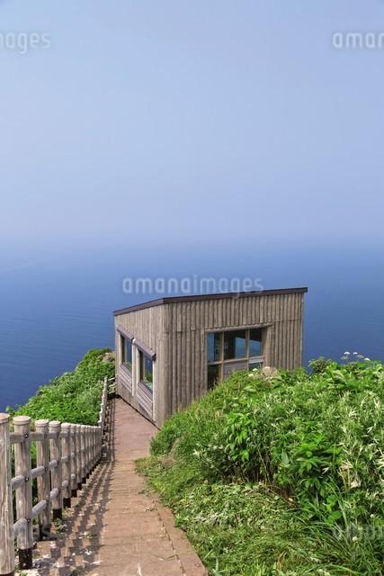 天売島の海鳥観察舎の写真素材 [FYI03009720]