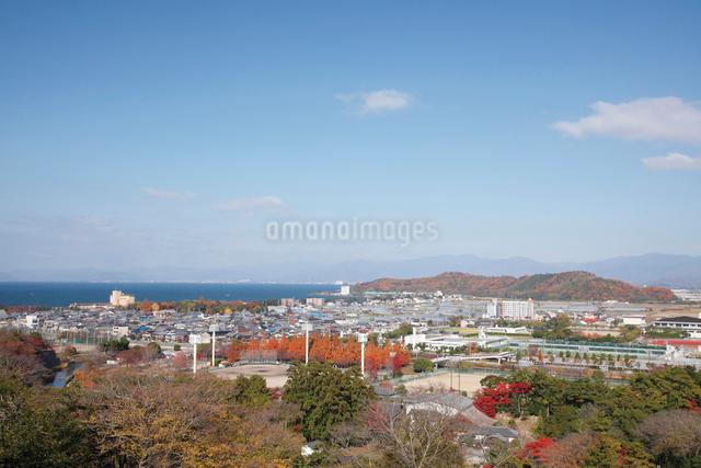 彦根城から眺める彦根市街の写真素材 [FYI03011375]
