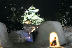 横手雪まつり,かまくらの写真素材 [FYI03011702]