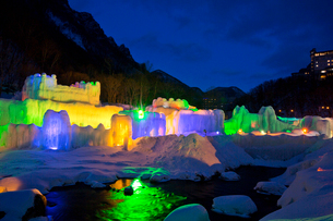 層雲峡氷瀑まつり,ライトアップの写真素材 [FYI03012052]