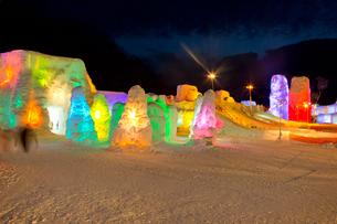 支笏湖氷濤まつり,ライトアップの写真素材 [FYI03012064]