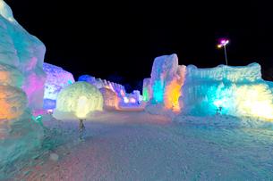 支笏湖氷濤まつり,ライトアップの写真素材 [FYI03012075]