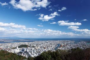 眉山ロープウェイより眺める徳島市の街並みの写真素材 [FYI03012667]
