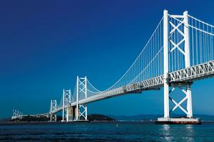 瀬戸大橋記念公園から瀬戸大橋を望むの写真素材 [FYI03012671]