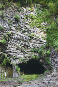 玄武洞公園にある玄武洞の写真素材 [FYI03012728]