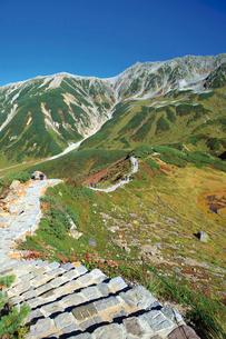 立山黒部アルペンルートの室堂平散策コースの写真素材 [FYI03013077]