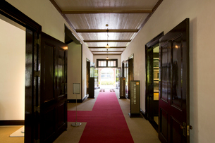 旧鹿児島紡績所技師館の内観の写真素材 [FYI03013625]