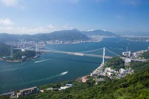 火の山公園の展望台から眺める関門海峡の写真素材 [FYI03014036]