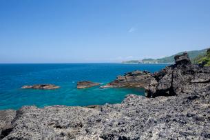 袰月海岸に面した鋳釜崎の風景の写真素材 [FYI03014288]