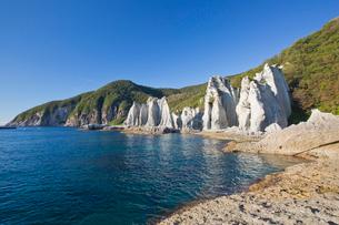 奇岩立ち並ぶ仏ヶ浦の風景の写真素材 [FYI03014388]