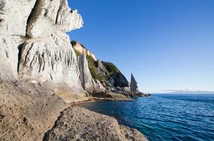 奇岩立ち並ぶ仏ヶ浦の風景の写真素材 [FYI03014390]