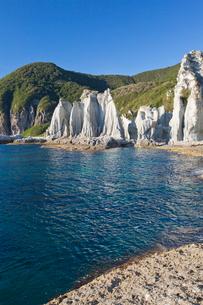 奇岩立ち並ぶ仏ヶ浦の風景の写真素材 [FYI03014392]