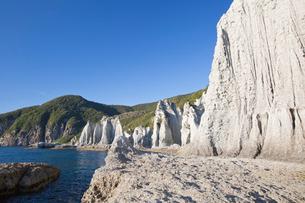 奇岩立ち並ぶ仏ヶ浦の風景の写真素材 [FYI03014397]