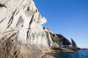 奇岩立ち並ぶ仏ヶ浦の風景の写真素材 [FYI03014398]