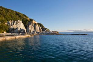 奇岩立ち並ぶ仏ヶ浦の風景の写真素材 [FYI03014442]
