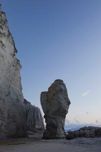 奇岩立ち並ぶ仏ヶ浦の風景の写真素材 [FYI03014458]