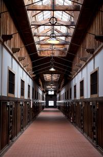 博物館網走監獄内の廊下の写真素材 [FYI03014745]