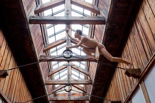 博物館網走監獄内の脱獄再現シーンの展示の写真素材 [FYI03014746]